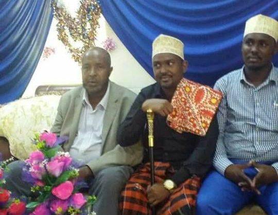Boqor Abdirashiid Boqor Omar oo la  kulmay   beesha     Ismaacil  cali